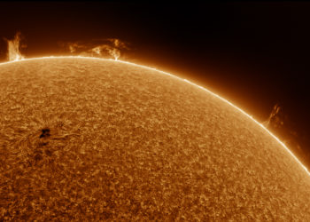Various prominences and active region 22-4-2021